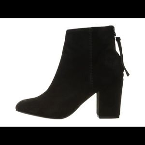 Steve Madden Cynthia Ankle Booties in Black